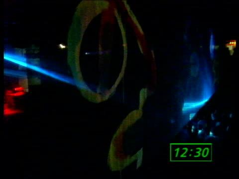 acid house party in birmingham; england: birmingham: the hummingbird: int tms dance hall as laser display in operation & music heard sof tcms party... - 酸点の映像素材/bロール