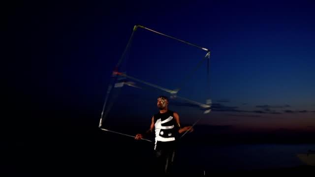 stockvideo's en b-roll-footage met acrobat - circus