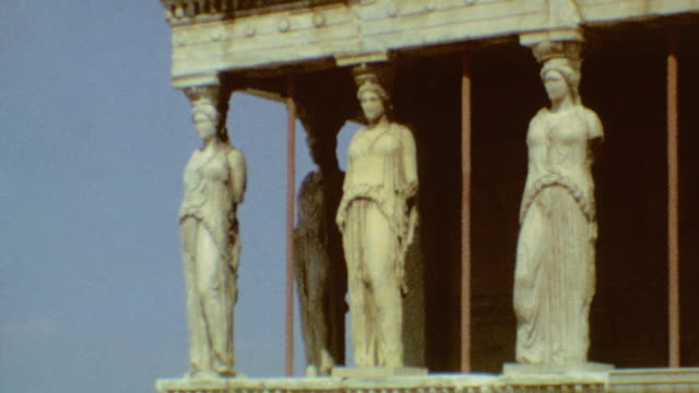 acropolis at daytime / porch of the caryatids / tourists / odeion of herodes atticus / acropolis of athens on march 19 1974 in athens greece - minerva 個影片檔及 b 捲影像