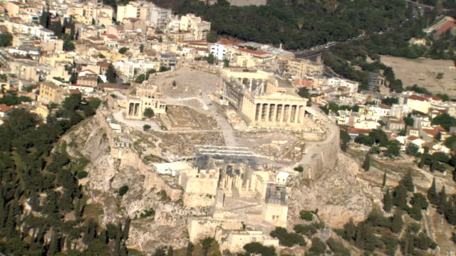 ws aerial zi acropolis focusing on parthenon house of goddess athena/ acropolis, athens, greece - parthenon athens stock videos & royalty-free footage