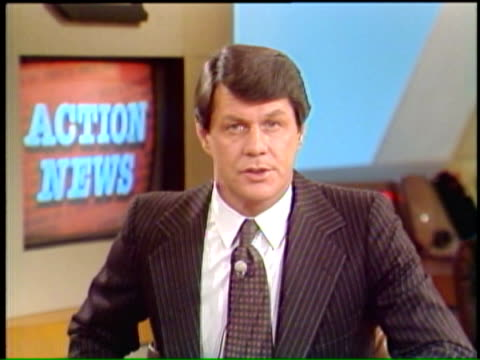 action news anchor steve bosh introduces special report on iranian hostage crisis 11 days after 52 americans were held hostage by a group of iranian... - イラン点の映像素材/bロール