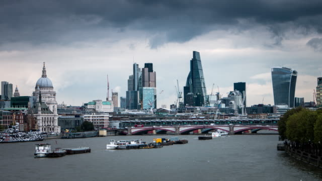 activity on the thames river - overcast stock videos & royalty-free footage