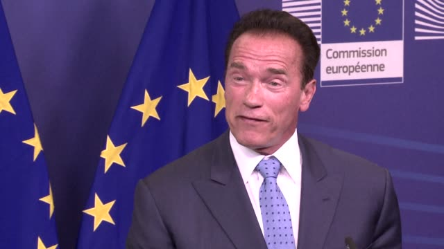 us actor and campaigner arnold schwarzenegger said people should be free to drive big cars and enjoy all day jacuzzis without feeling guilty about... - arnold schwarzenegger stock-videos und b-roll-filmmaterial