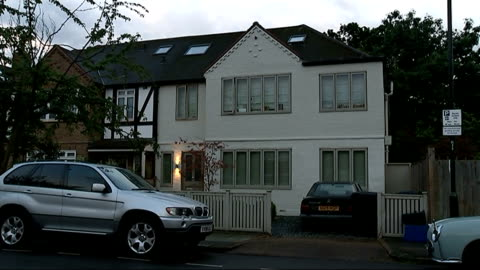 actor and comedian rik mayall dies; london: ext exterior gvs of rik mayall's family home - rik mayall stock videos & royalty-free footage