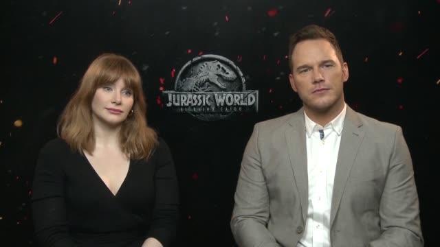 actor chris pratt and actress bryce dallas howard attend the 'jurassic world fallen kingdom' - chris pratt actor stock videos and b-roll footage