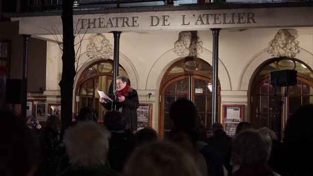 """vidéos et rushes de actor françois morel reads texts in order to fight the closure of the playhouses at the """"theatre de l'atelier"""" on december 15 in paris, france. the... - french culture"""