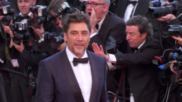 actor javier bardem actress penelope cruz actor ricardo darin and director asghar farhadi shine on the red carpet of 'everybody knows' - javier bardem stock videos and b-roll footage