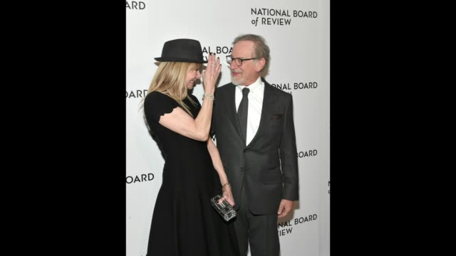 vídeos y material grabado en eventos de stock de actor kate capshaw and director steven spielberg attend the 2018 the national board of review annual awards gala at cipriani 42nd street on january 9... - formato de archivo gif