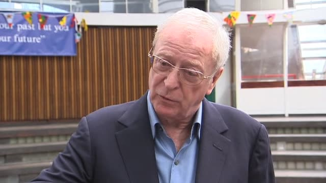 vídeos de stock e filmes b-roll de actor michael caine comments on his support towards the conservative following his appearance at their party conference london 8 april 2010 - michael caine ator
