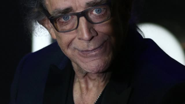 Actor Peter Mayhew who won over fans worldwide as the Wookiee warrior Chewbacca in the blockbuster Star Wars movies has died at the age of 74
