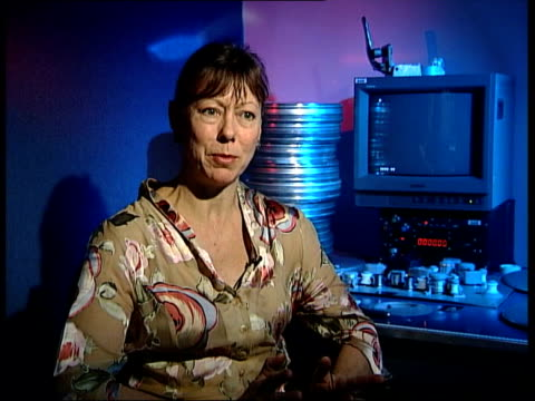 actor sir peter ustinov dies itn london cms jenny agutter interview sot - peter ustinov stock videos and b-roll footage