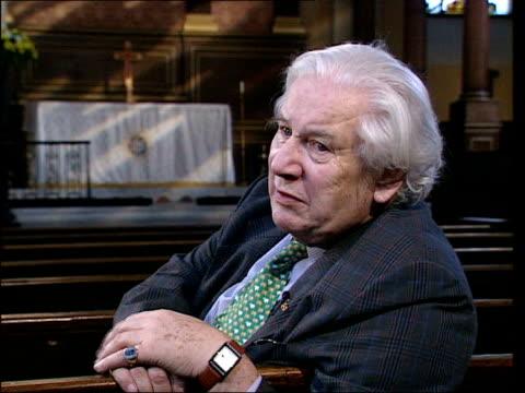 actor sir peter ustinov dies lib ustinov interview sot - peter ustinov stock videos and b-roll footage