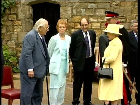 actor sir peter ustinov dies; lib ???: side ustinov meeting queen elizabeth ii - peter ustinov stock videos & royalty-free footage