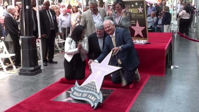 vídeos y material grabado en eventos de stock de us actor stacy keach celebrated for his role as a private detective in the tv series mike hammer receives the 2668th star on the hollywood walk of... - stacy keach