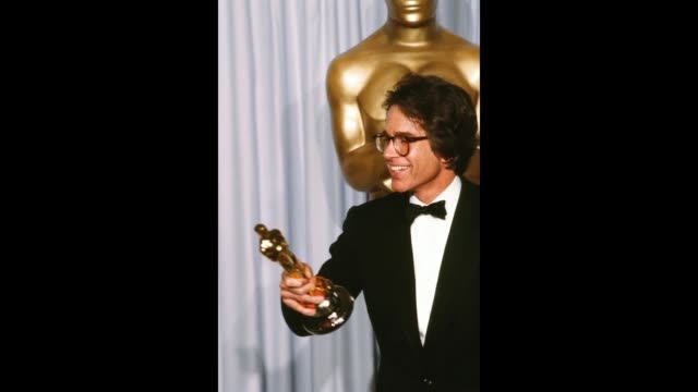 GIF Actor Warren Beatty poses backstage after winning 'Best Director for 'REDS' during the 54th Academy Awards at Dorothy Chandler Pavilion in Los...