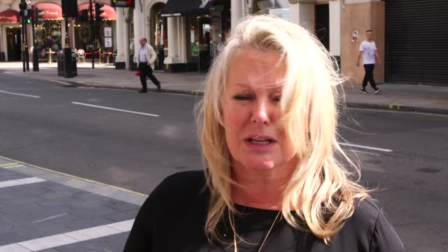 stockvideo's en b-roll-footage met actors dawn french and beverley knight join theatre directors for a two-minute silence outside the lyric theatre, london, to protest against... - dawn french