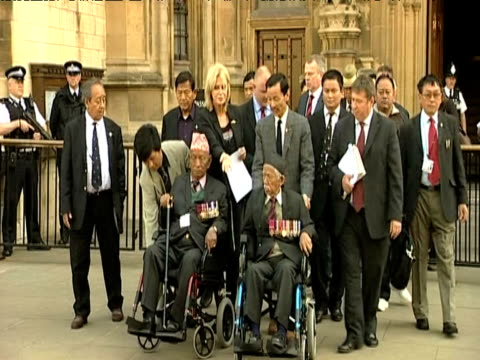 actress and human rights campaigner joanna lumley outside high court alongside gurkha veterans london may 2009 - joanna lumley stock videos & royalty-free footage