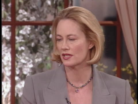 """actress cybill shepherd talks about the popularity and cancellation of her television show """"cybill."""" - 伝記点の映像素材/bロール"""