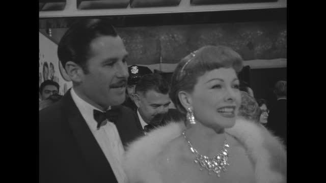 actress jeanne crain husband paul brinkman she speaks and blows kiss to camera / crowd - actress stock videos & royalty-free footage