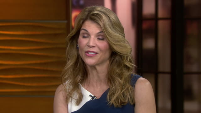 vídeos y material grabado en eventos de stock de actress lori loughlin discusses the possibility of a reboot of full house and that it's under discussion, saying that the fans all want us back and... - music or celebrities or fashion or film industry or film premiere or youth culture or novelty item or vacations