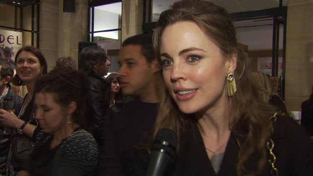 actress melissa george thinks molly's jewelry launch is great and on doing something more to fall back on than just acting wanted to support molly... - melissa george stock videos & royalty-free footage