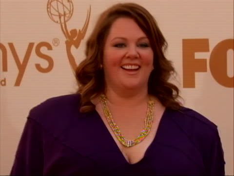 actress melissa mccarthy on the red carpet for 2011 emmy awards on september 18 the 63rd annual primetime emmy awards, honoring the best in primetime... - sketch comedy stock videos & royalty-free footage