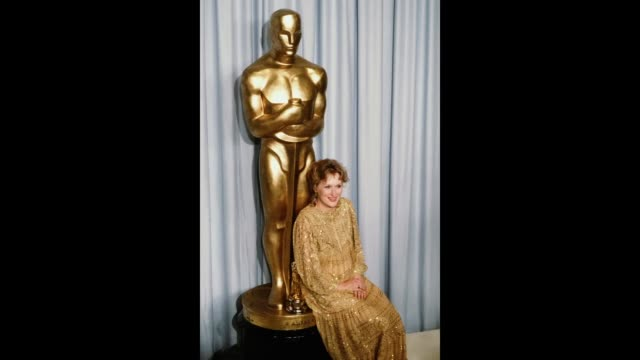 GIF Actress Meryl Streep poses backstage after winning 'Best Actress' during the 55th Academy Awards at Dorothy Chandler Pavilion in Los...