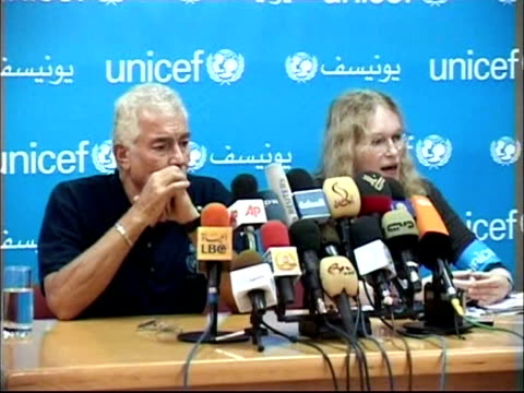 actress mia farrow is due to visit the povertystricken gaza strip on thursday as a goodwill ambassador for unicef the un children's agency she... - mia farrow stock videos & royalty-free footage