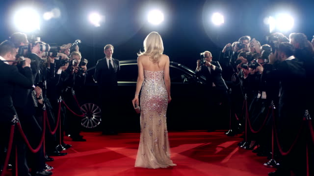 stockvideo's en b-roll-footage met actress on red carpet - actrice