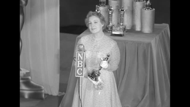actress shirley booth appearing in the eastern portion of the telecast of the 25th academy awards holds her best actress oscar award for her role in... - academy of motion picture arts and sciences stock videos & royalty-free footage