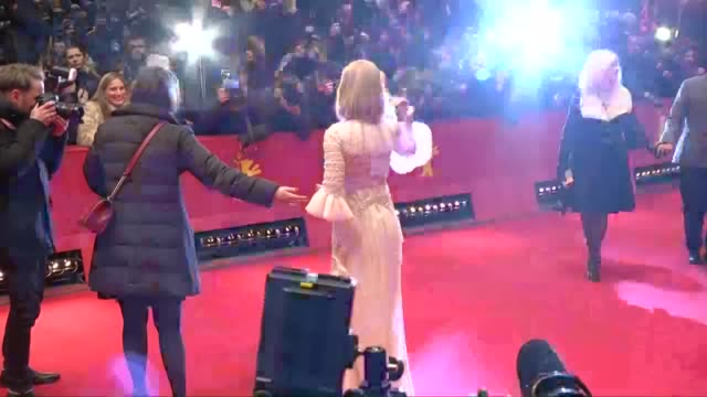 stockvideo's en b-roll-footage met actresses and actors arrived for the premeire of the movie 'queen of the desert' by werner herzog at the 65th berlin international film festival... - filmfestival