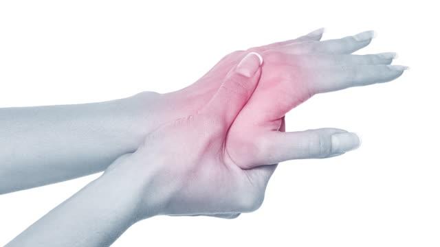 vídeos de stock, filmes e b-roll de dor aguda em uma mão da mulher - membro parte do corpo