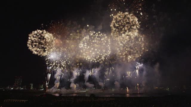 adachi fireworks festival in 2013 - 花火大会点の映像素材/bロール