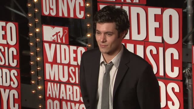 adam brody at the 2009 mtv video music awards at new york ny - adam brody stock videos & royalty-free footage