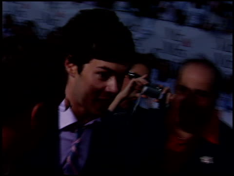 adam brody at the 'mr and mrs smith' premiere on june 7 2005 - adam brody stock videos & royalty-free footage