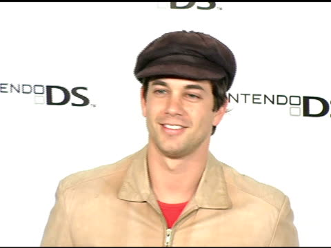 vidéos et rushes de adam garcia at the exclusive nintendo pre-launch party at the day after at the day after in los angeles, california on november 16, 2004. - exclusivité