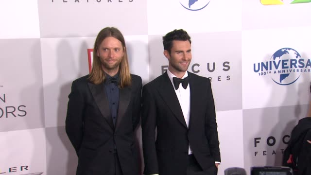 vídeos de stock e filmes b-roll de adam levine and james valentine at nbcuniversal's 69th annual golden globe afterparty in beverly hills ca on 1/15/12 - prémio globo de ouro