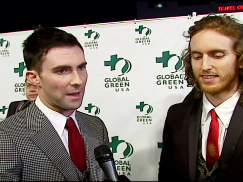stockvideo's en b-roll-footage met adam levine of maroon 5 on global warming, the environment, performing at the event at the 3rd annual pre-oscar party hosted by global green usa on... - oscar party