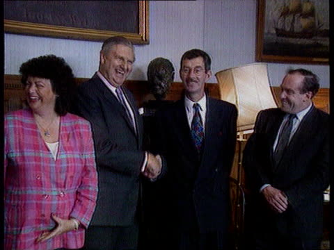 Adams returns from US trip as Major says peace process can not wait for Sinn Fein TX Belfast MS Sir Patrick Mayhew shakes hands with Dick Spring CMS...