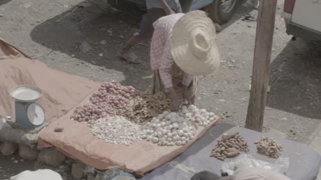 addis ababa market - horn von afrika stock-videos und b-roll-filmmaterial