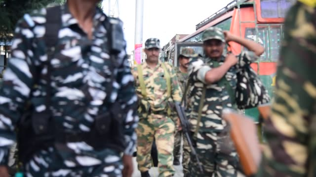 additional troops of indian government forces arrived kashmir on august 2019 fear and confusion have gripped residents in india administered kashmir... - jammu e kashmir video stock e b–roll