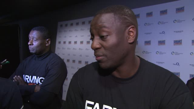 adewale akinnuoyeagbaje on how the story being autobiographical and rumours of him playing black panther at farming interviews at cineworld o2 arena... - biographie stock-videos und b-roll-filmmaterial