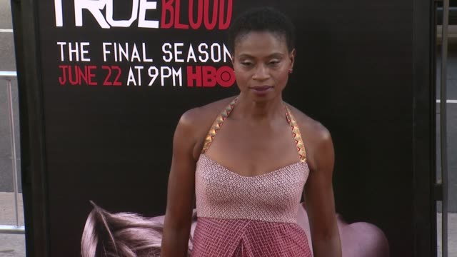 vídeos y material grabado en eventos de stock de adina porter at true blood seventh and final season premiere at tcl chinese 6 theatres on june 17 2014 in hollywood california - mann theaters