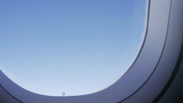 anpassung des fensterflügels auf einem fahrenden flugzeug - bogen architektonisches detail stock-videos und b-roll-filmmaterial