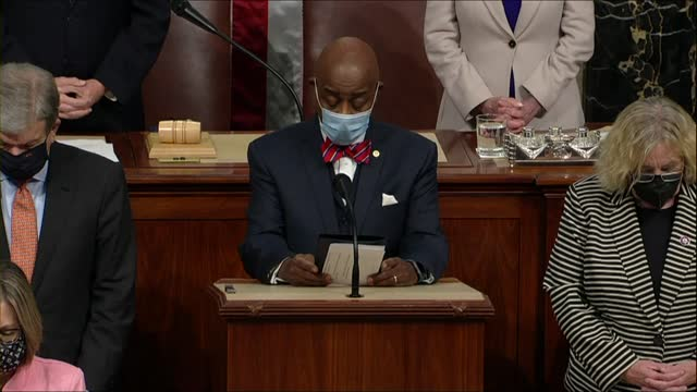 vídeos de stock, filmes e b-roll de admiral barry black continues prayer at extraordinary joint session in chamber of the house of representatives, called upon by vice president mike... - enviesado