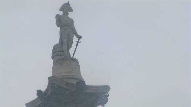 ms la admiral horatio nelson's statue in snow, trafalgar square, london, united kingdom - admiral nelson stock videos and b-roll footage