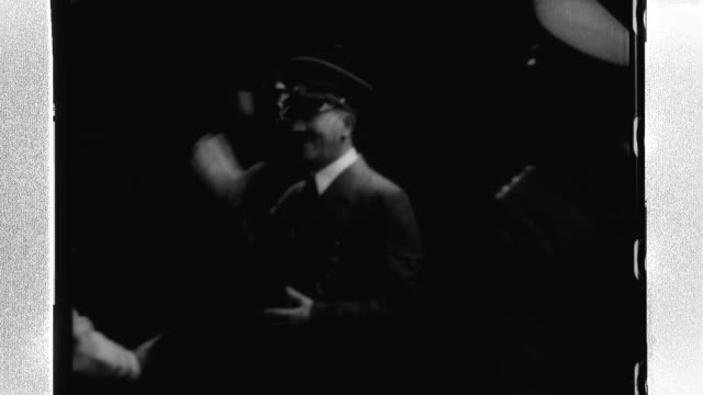 stockvideo's en b-roll-footage met adolph hitler and benito mussolini shake hands as they prepare for a meeting at the brenner pass - benito mussolini
