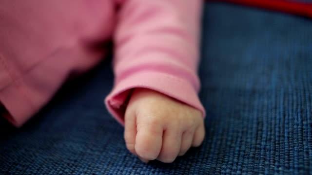 baby babys - verwöhnen stock-videos und b-roll-filmmaterial