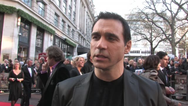 vídeos de stock e filmes b-roll de adrian paul on how the film is a political movie about 2 brothers, on meeting the cast, on how he got on with gary stretch, on his character's... - adrian paul