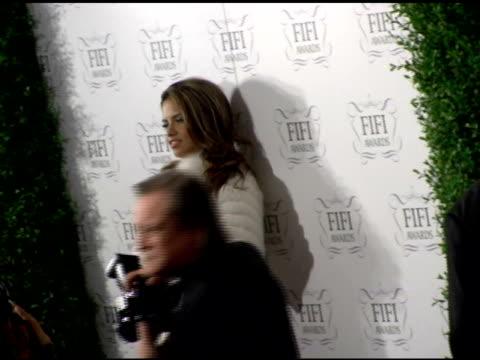 adriana lima at the 34th annual fifi awards presented by the fragrance foundation at the hammerstein ballroom in new york new york on april 3 2006 - hammerstein ballroom bildbanksvideor och videomaterial från bakom kulisserna